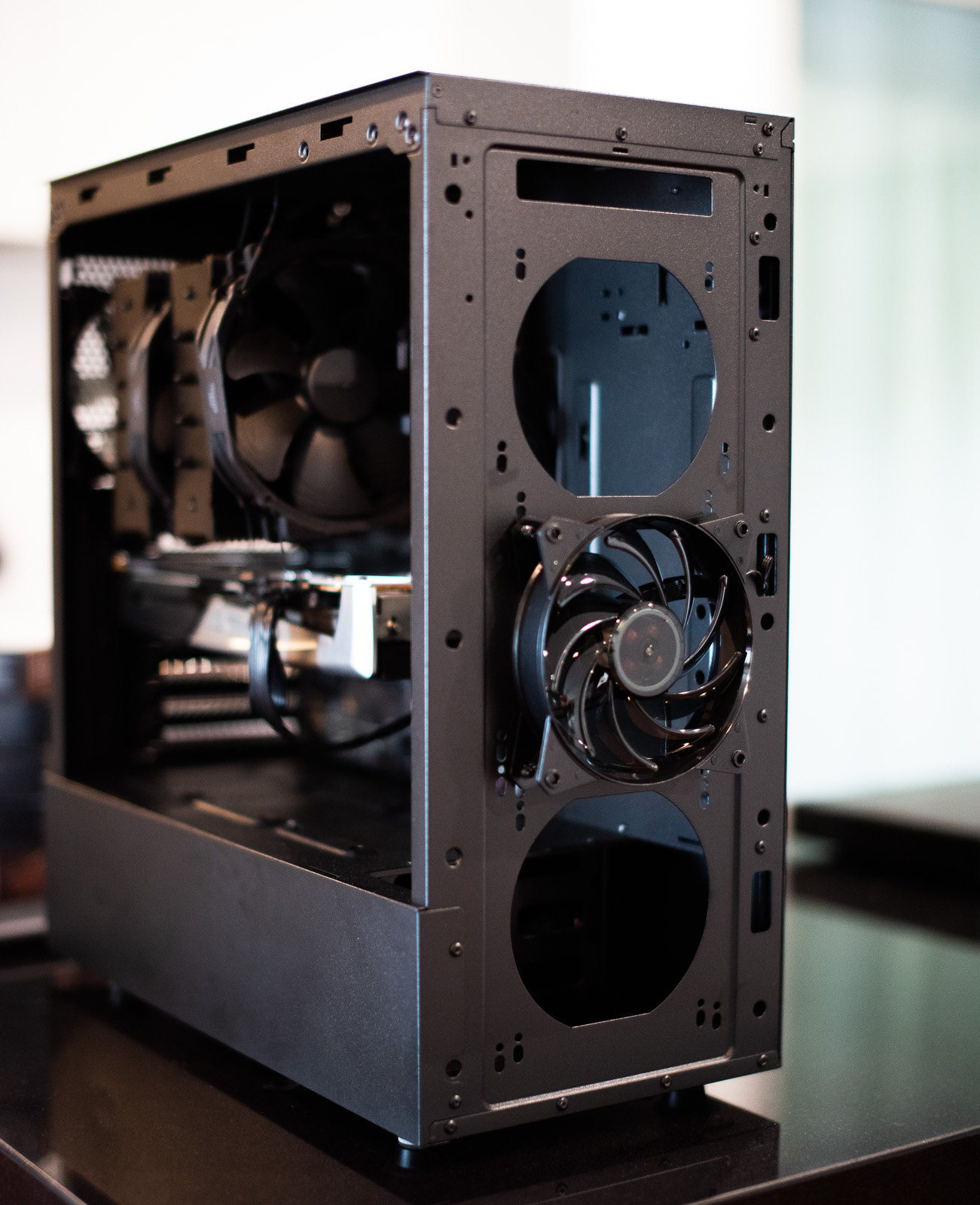 Cooler Master Masterbox NR600 without ODD